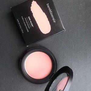 Bare Minerals blush in pretty in Pink